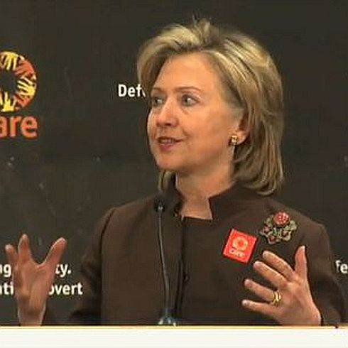 """We care about defending dignity and fighting poverty"" - US-Außenministerin Hillary Clinton zu Gast bei CARE (Foto: CARE)"